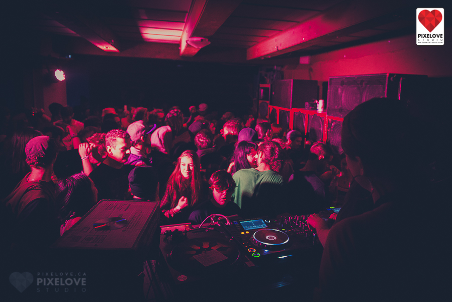 Tekno Agricole, rave night, electronic music in Montreal, Quebec.